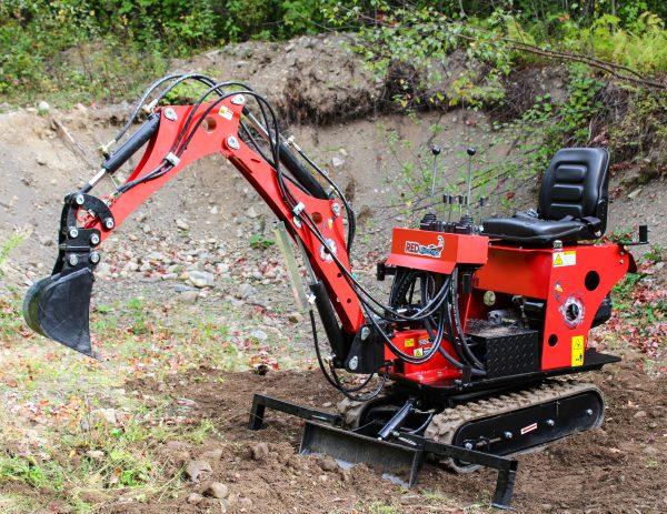 red runner mini excavator 1