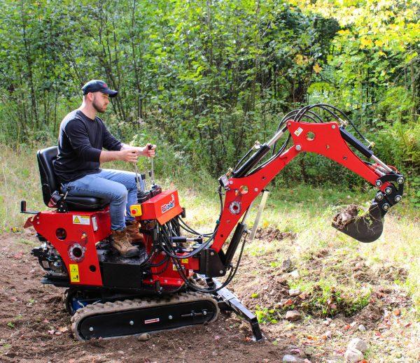red runner mini excavator 7.2