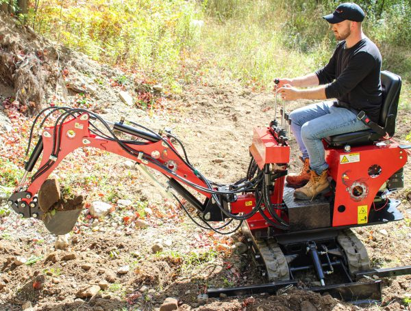 red runner mini excavator 8.2