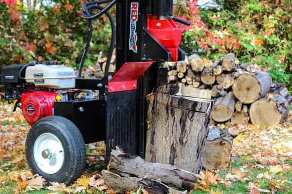 red runner rr270 log splitter close up
